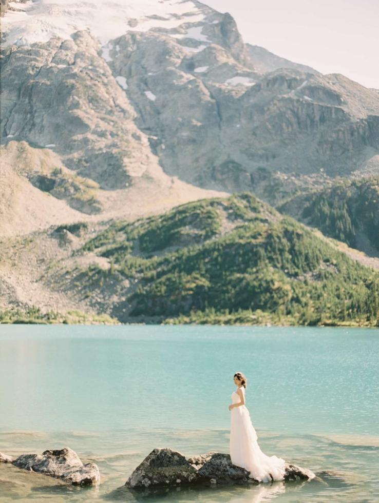 vancouver-joffre-lakes-wedding-bridal-portrait-prewedding-fine-art-portraits-23